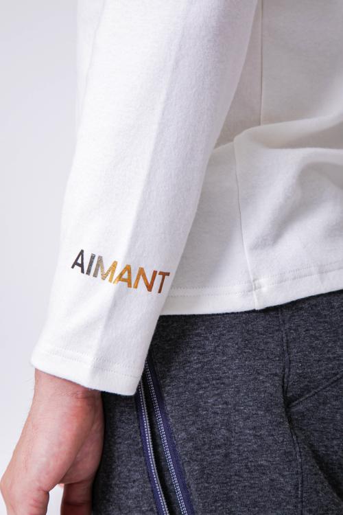 「AIMANT」ロゴハイネックプルオーバー(MEN)