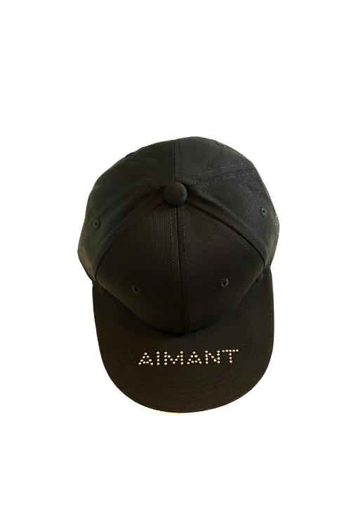 「AIMANT」ストーンロゴ刺繍クラシックツイルキャップ(UNISEX)
